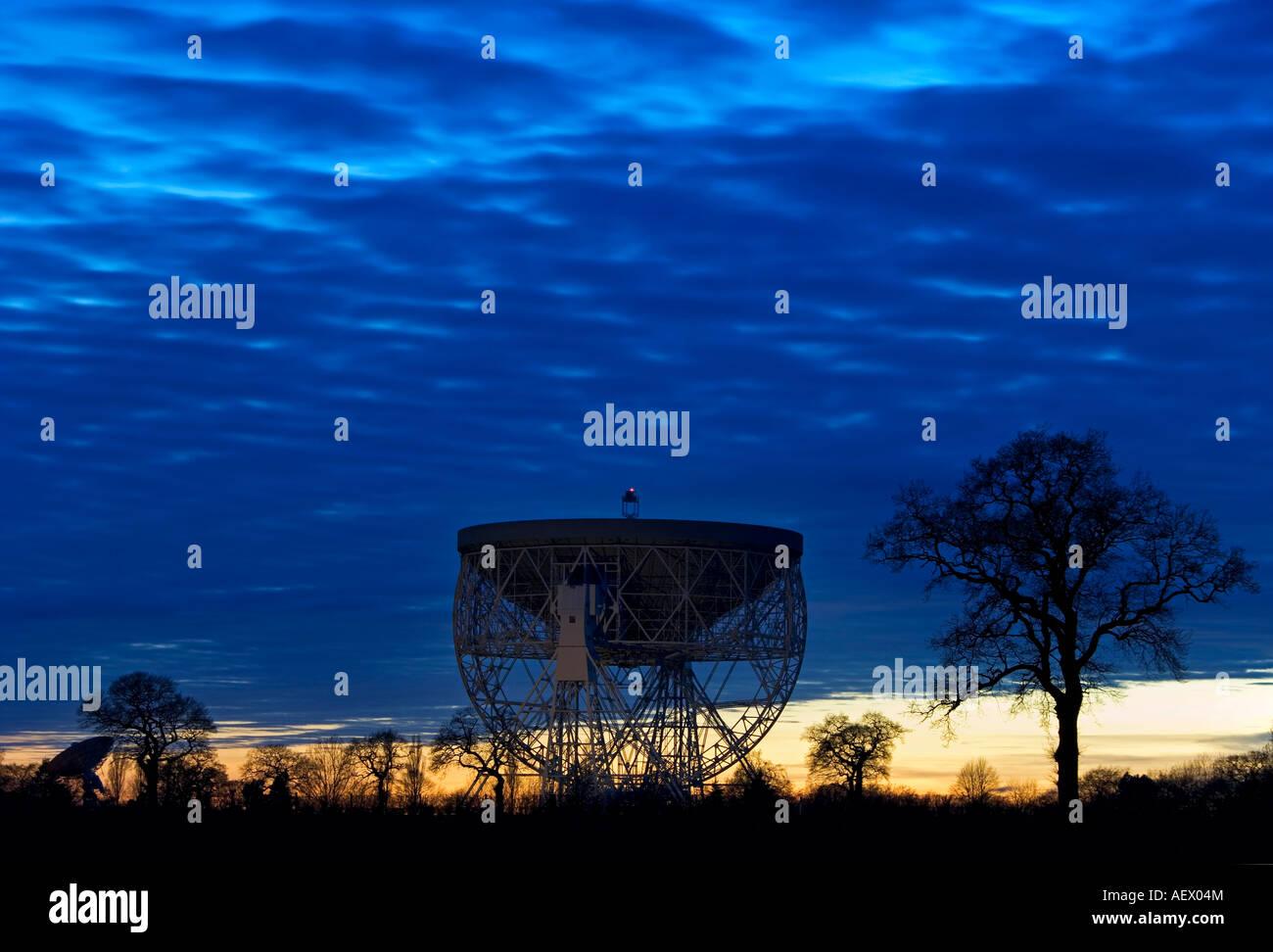 The Giant Mk 1A Radio Telescope of Jodrell Bank at Night, Near Holmes Chapel, Cheshire, England, UK - Stock Image