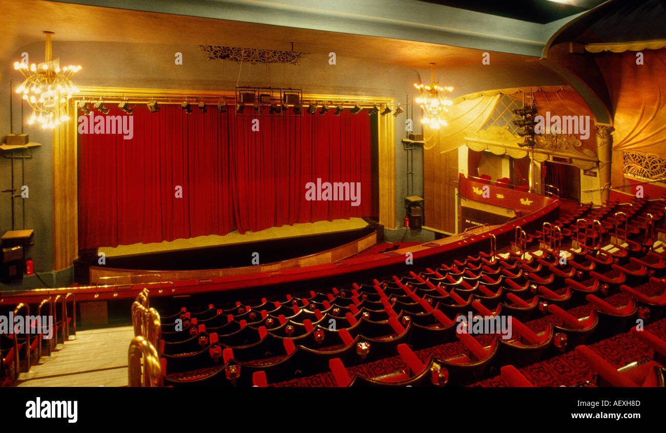 Prince Of Wales Theatre London Stock Photo 4495756 Alamy