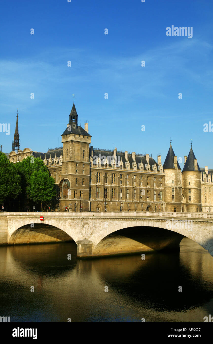 France - Conciergerie and Pont au Change at Paris - Stock Image
