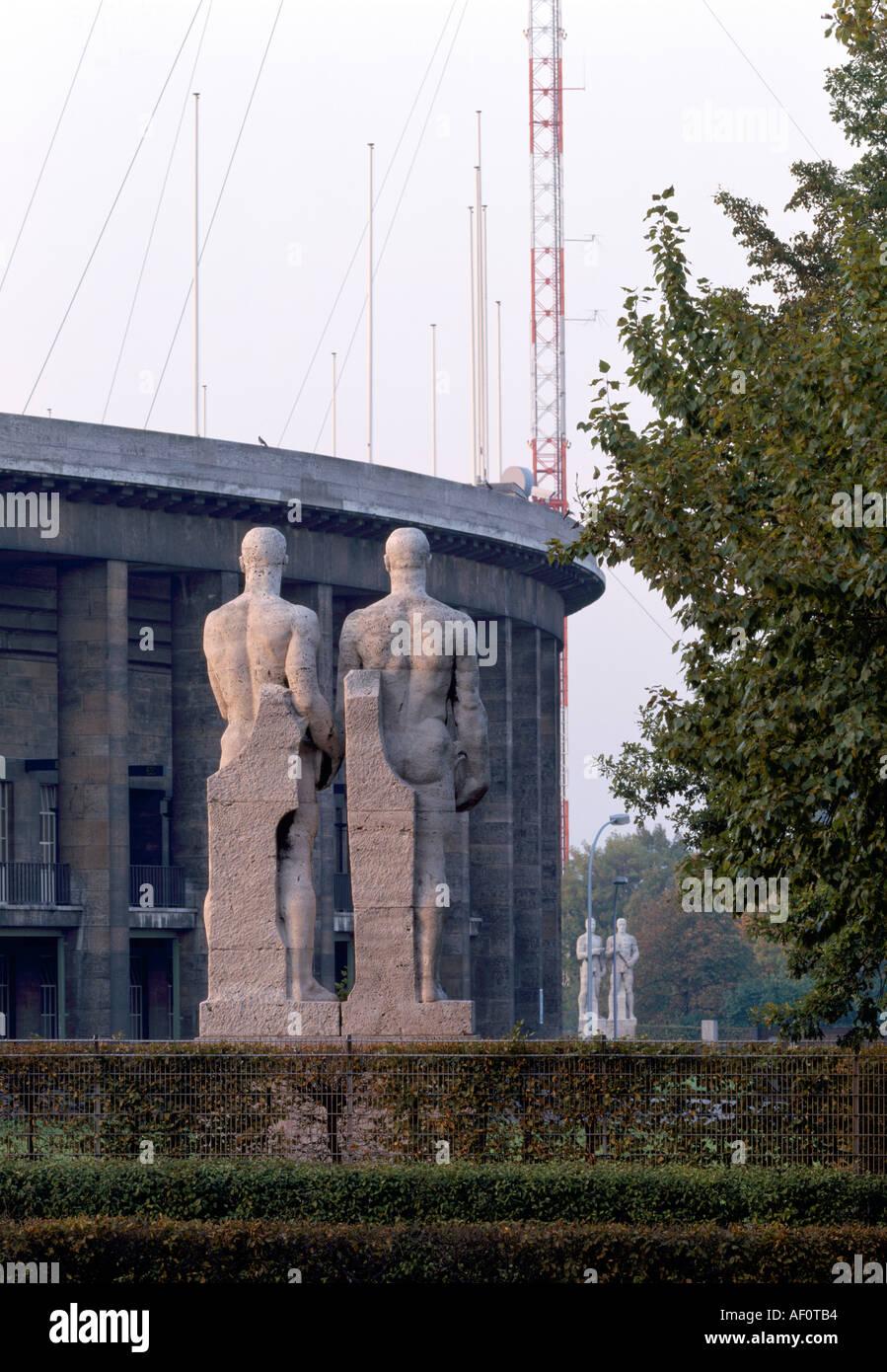 Berlin-Charlottenburg, Olympiastadion, NS-Skulpturen - Stock Image