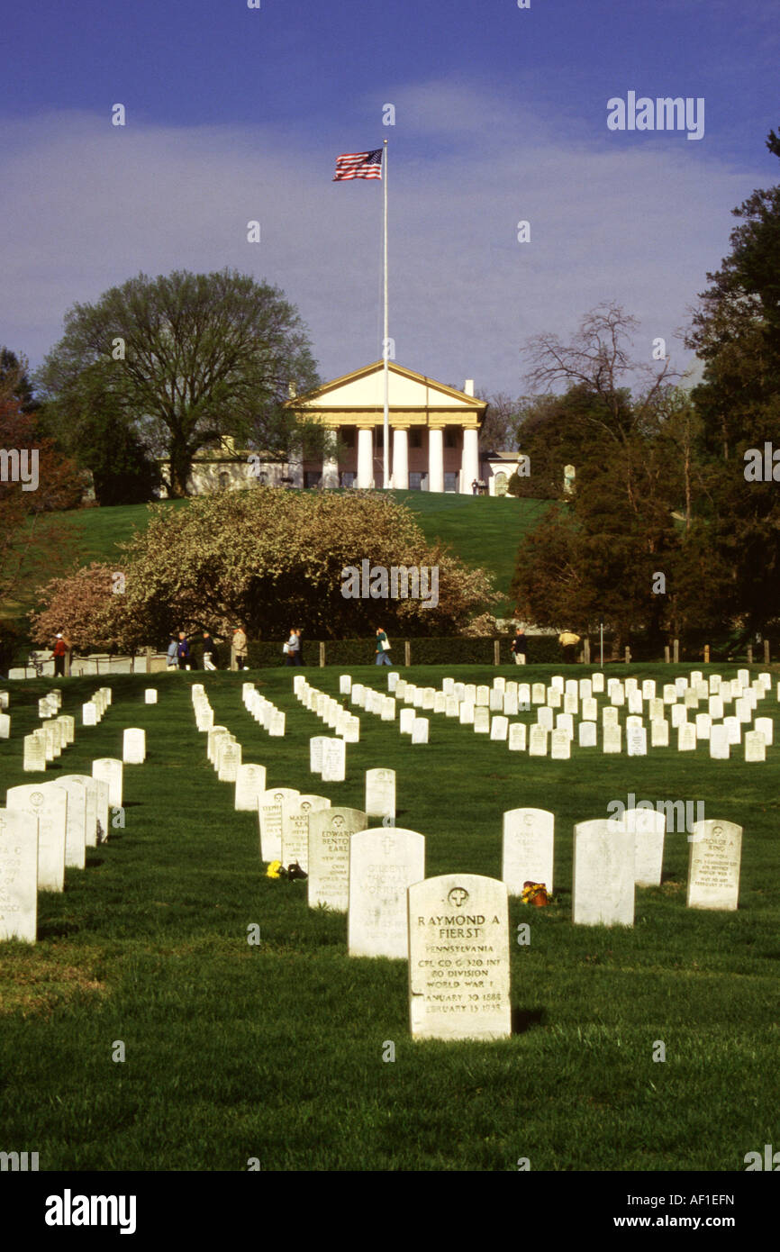 Military personnel gravestones, Arlington house behind, Arlington National Cemetery, Virginia, USA Stock Photo
