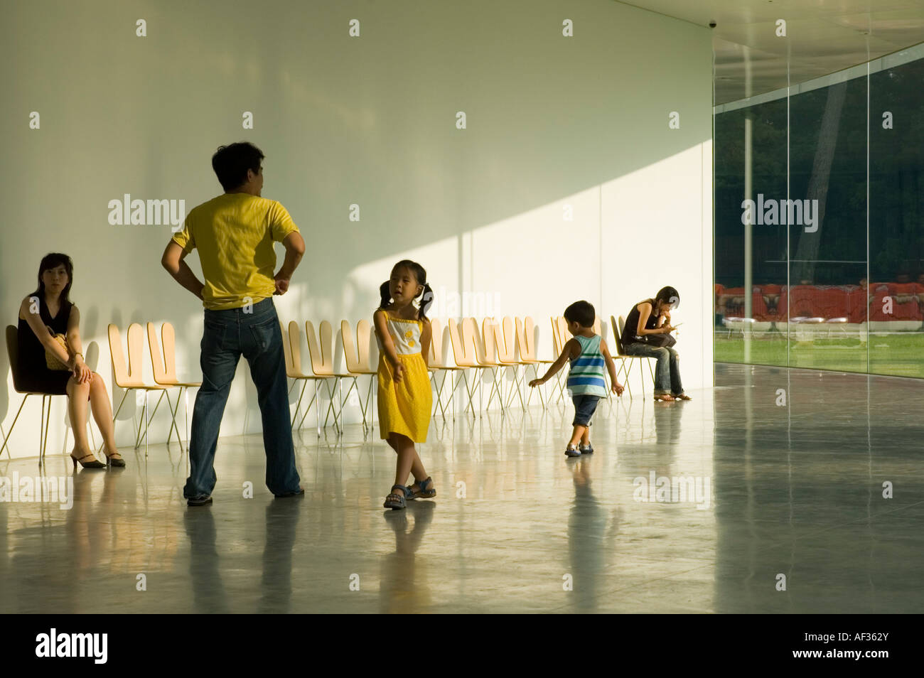 People in the foyer of the 21st Century Museum of Contemporary Art, Kanazawa, Japan - Stock Image