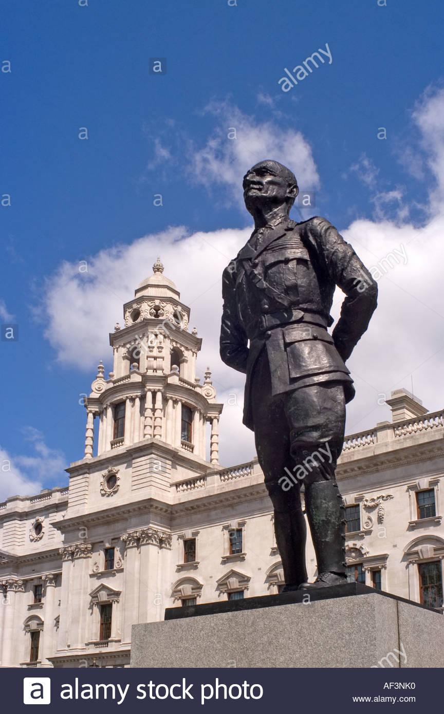 London, England, UK. Parliament Square. Statue of Jan Christian Smuts - Stock Image
