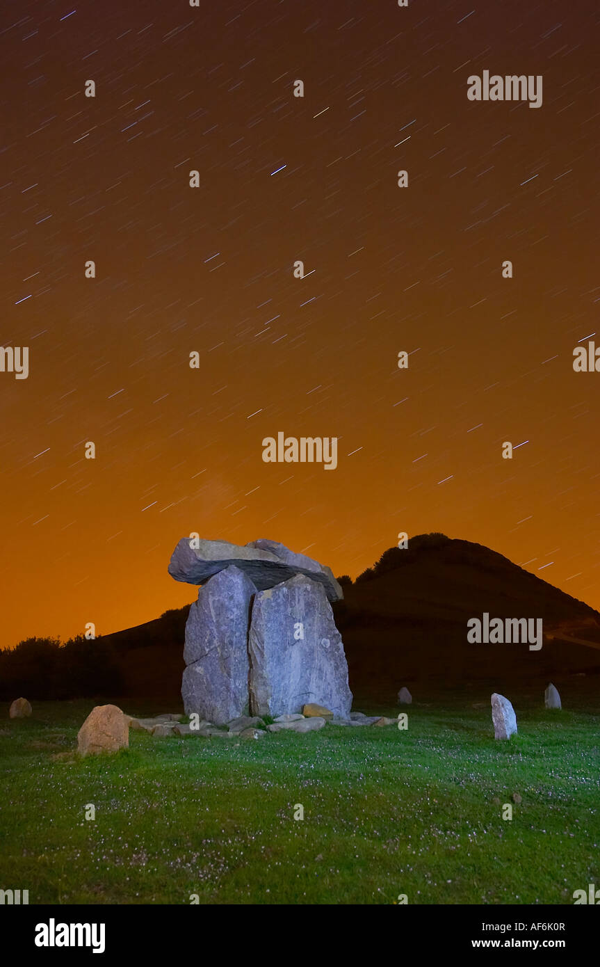 Antiguo Dolmen en el monte Oiz, Vizcaya, Pais Vasco, España. Ancient Dolmen in mount Oiz, Bizcay, Basque Country, - Stock Image