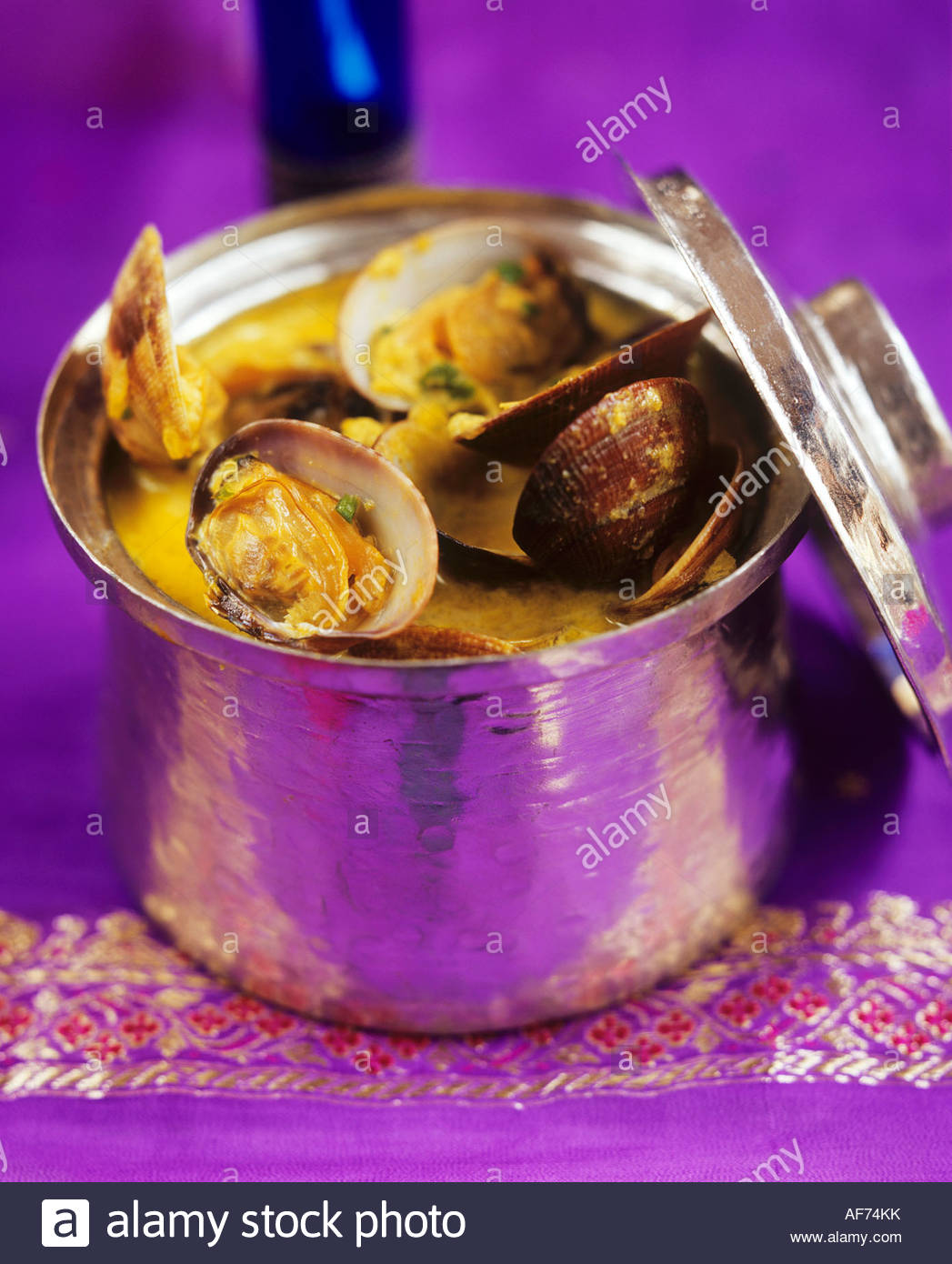 Shellfish in Goan sauce, India - Stock Image