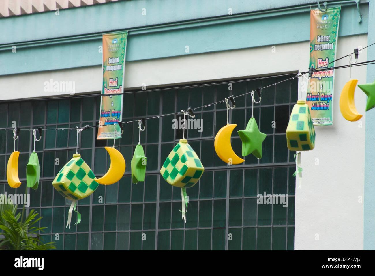 Amazing Raya Eid Al-Fitr Decorations - decorations-hanging-in-mid-air-to-celebrate-hari-raya-festival-or-AF77J3  Snapshot_443245 .jpg