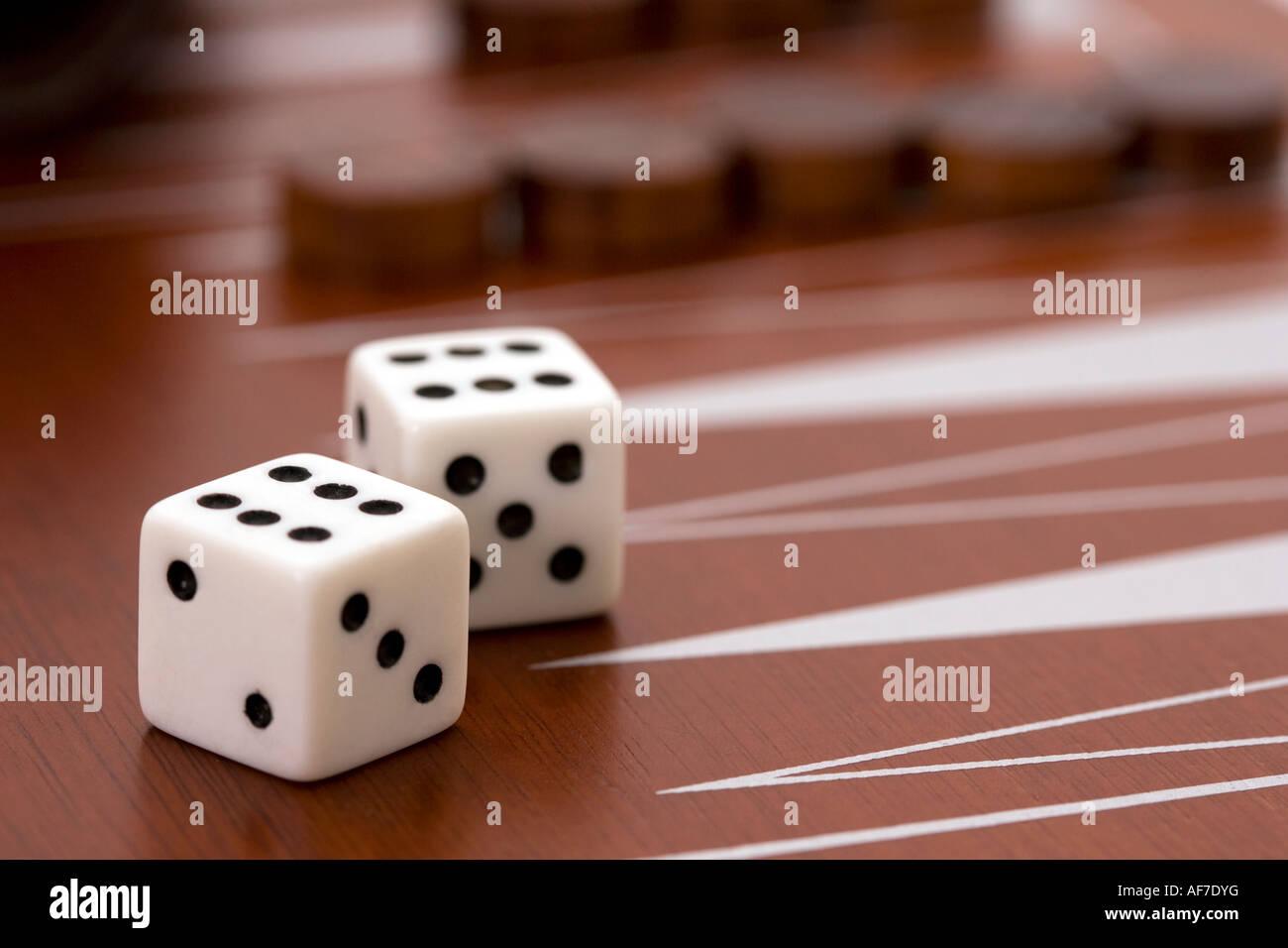 backgammon betting die