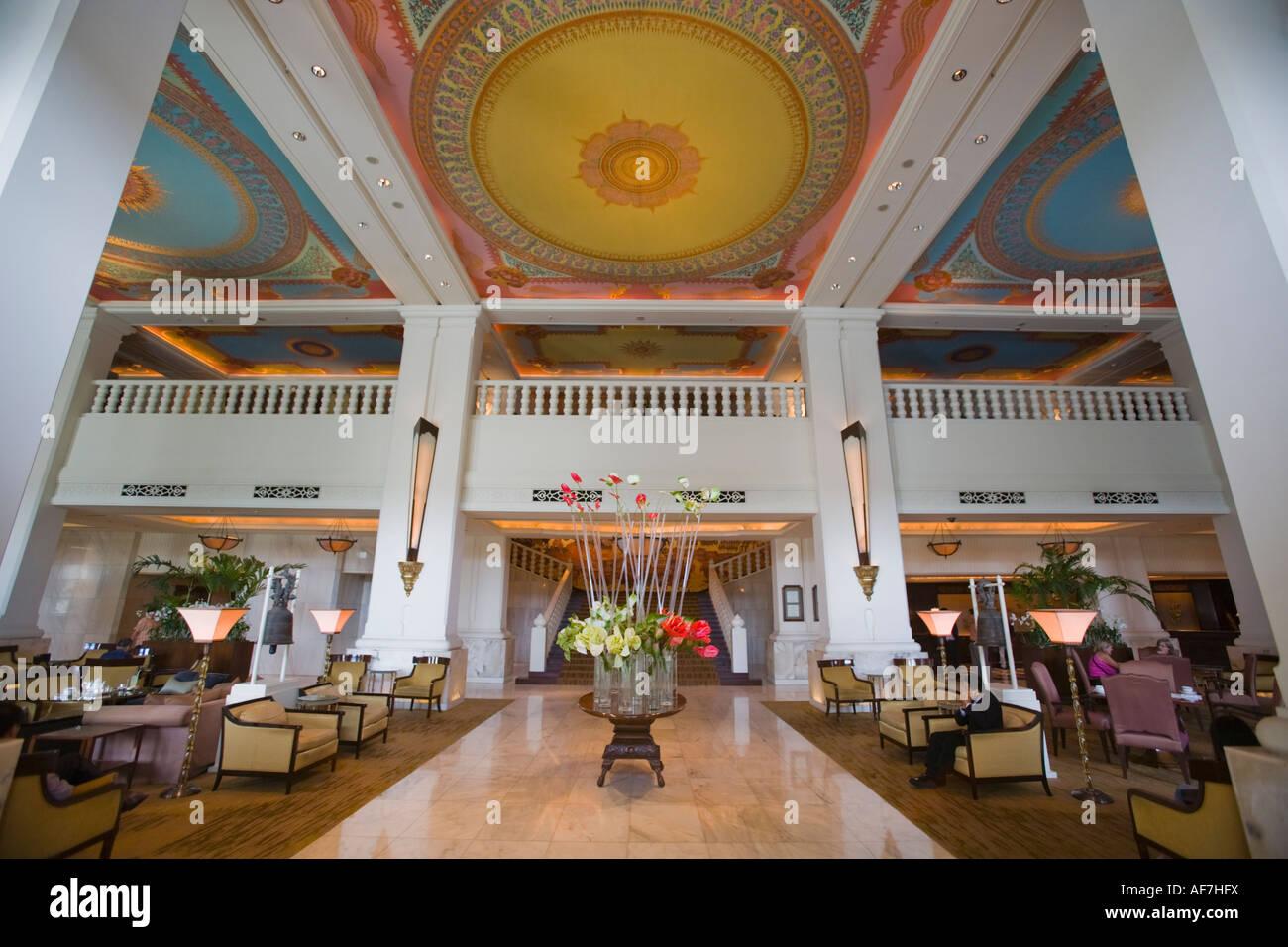 Four Seasons Hotel Lobby Bangkok Thailand no release Stock Photo
