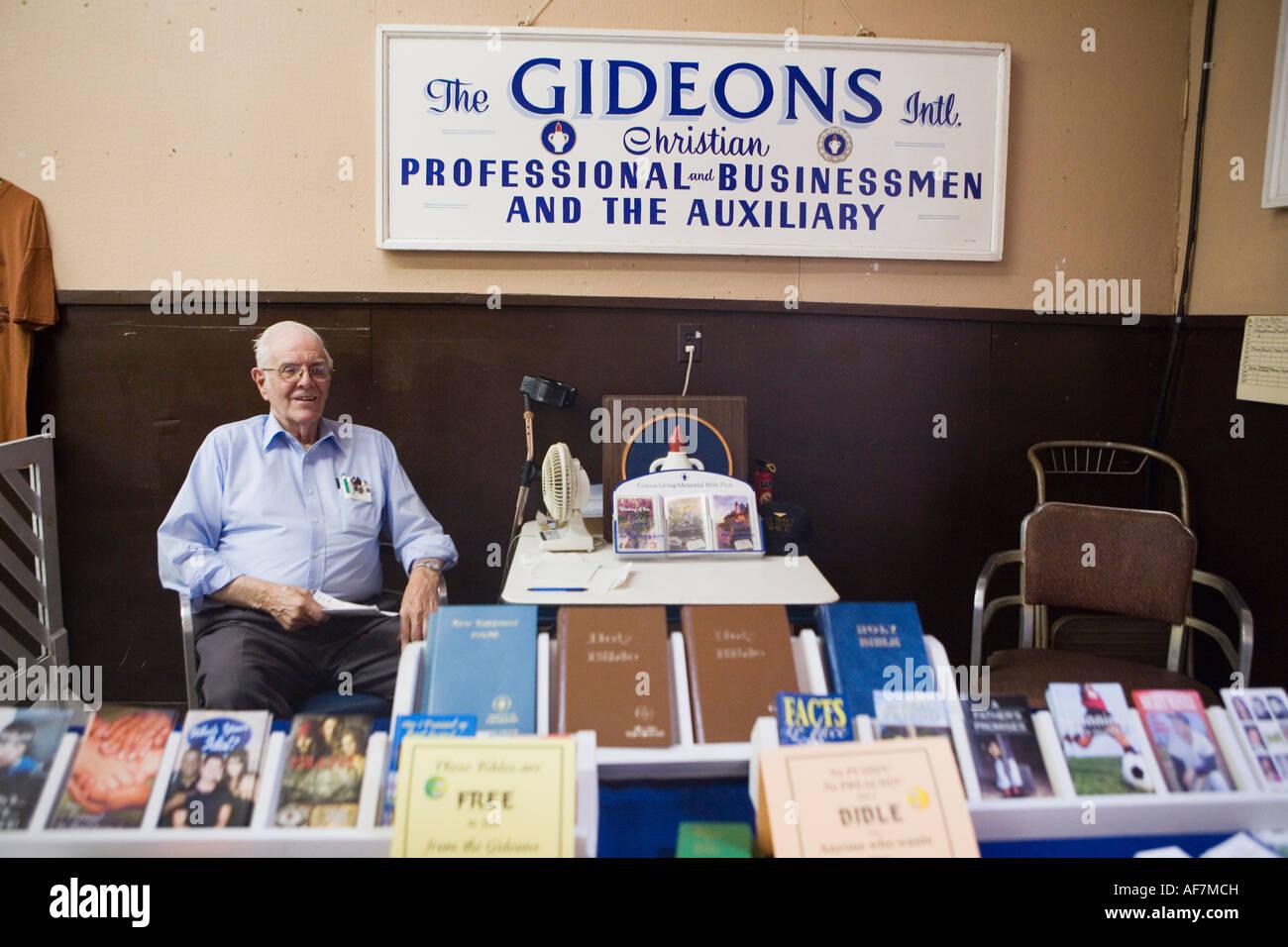 Gideon Bible man Fonda Fair 2007 Montgomery County New York - Stock Image