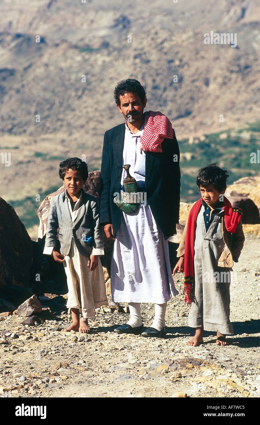 Geography Travel Yemen People Father With Two Sons Full Figure Yemenite Dagger Crooked Son Child Children Mi