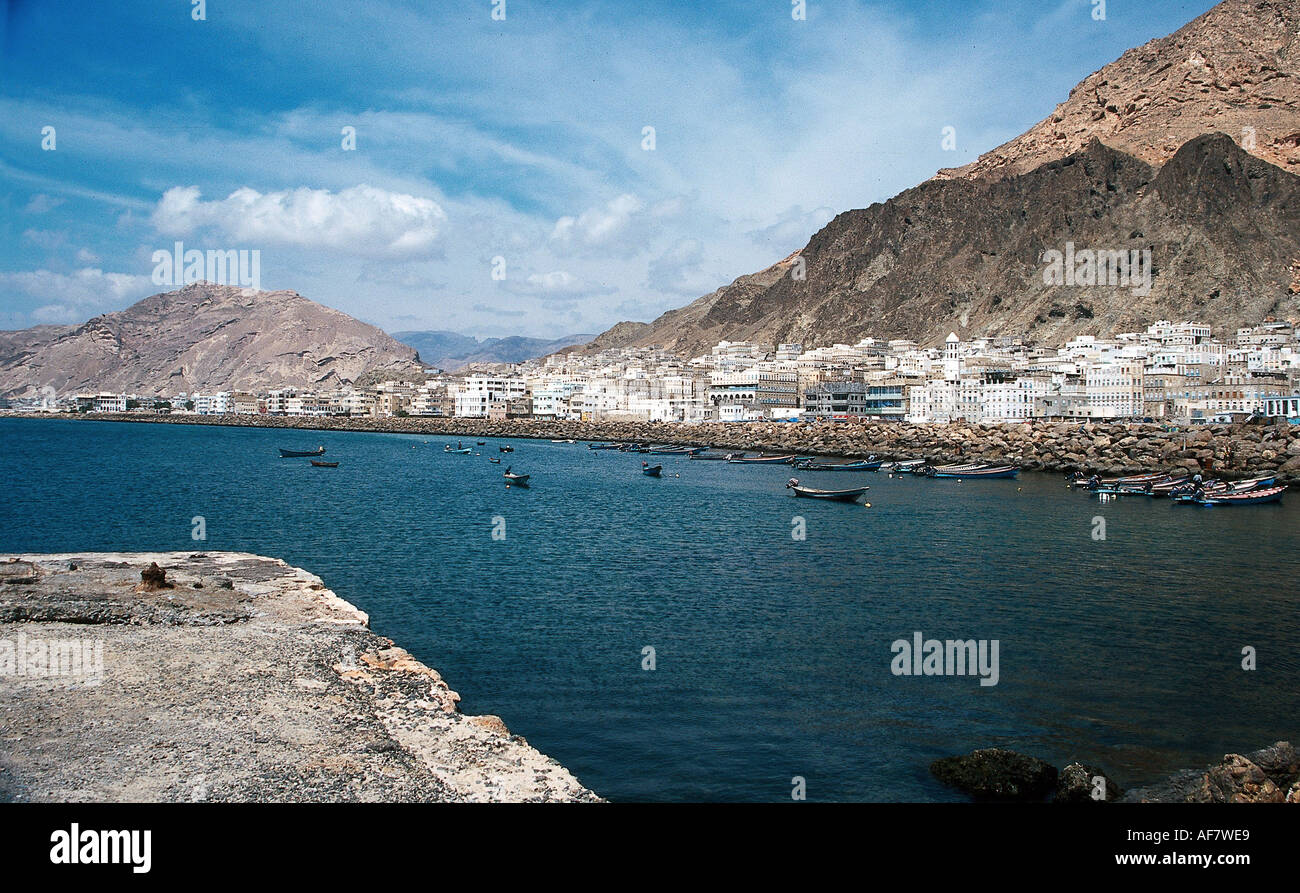 geography / travel, Yemen, Aden, city view, cityscape, bay, port, boats, overview, Additional-Rights-Clearance-Info-Not-Available - Stock Image
