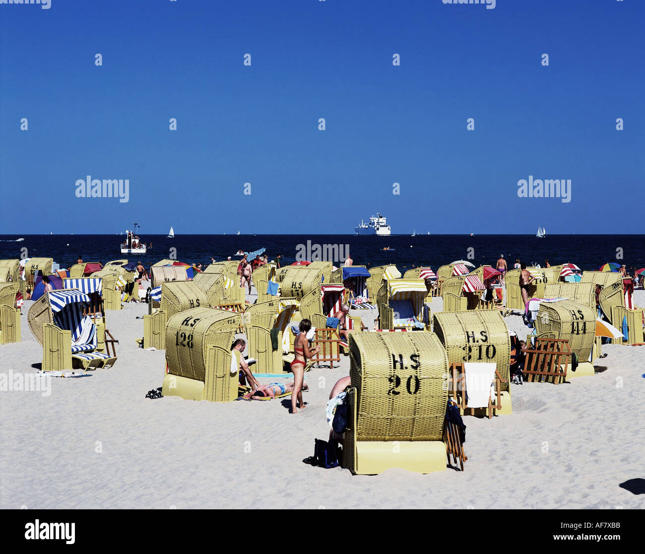 geography / travel, Germany, Schleswig - Holstein, Travemuende, beach, tourists in beach chairs, Baltic Sea, Additional Stock Photo