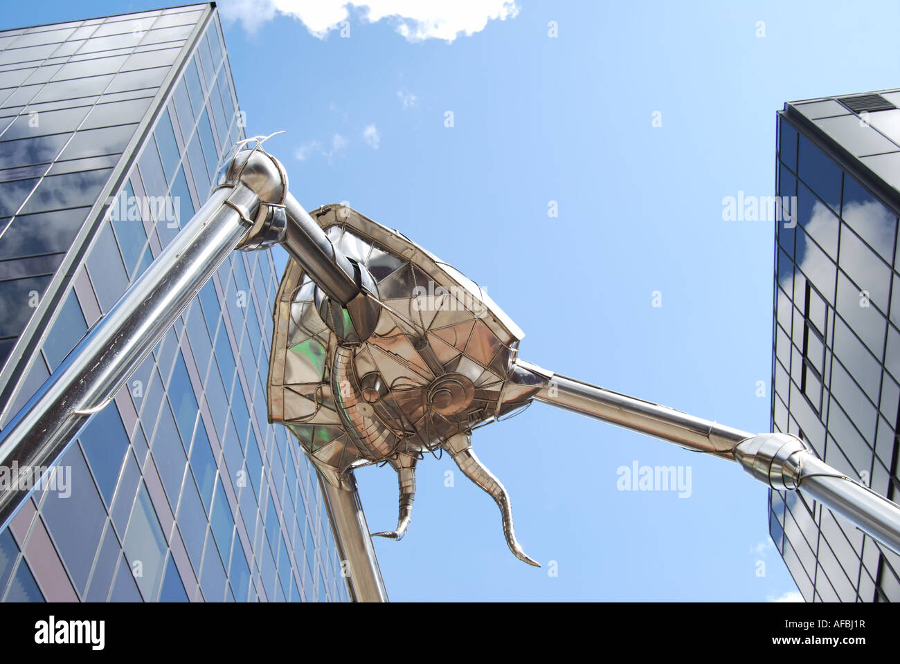 'War of the Worlds' Martian sculpture, Town Centre, Woking, Surrey, England, United Kingdom - Stock Image