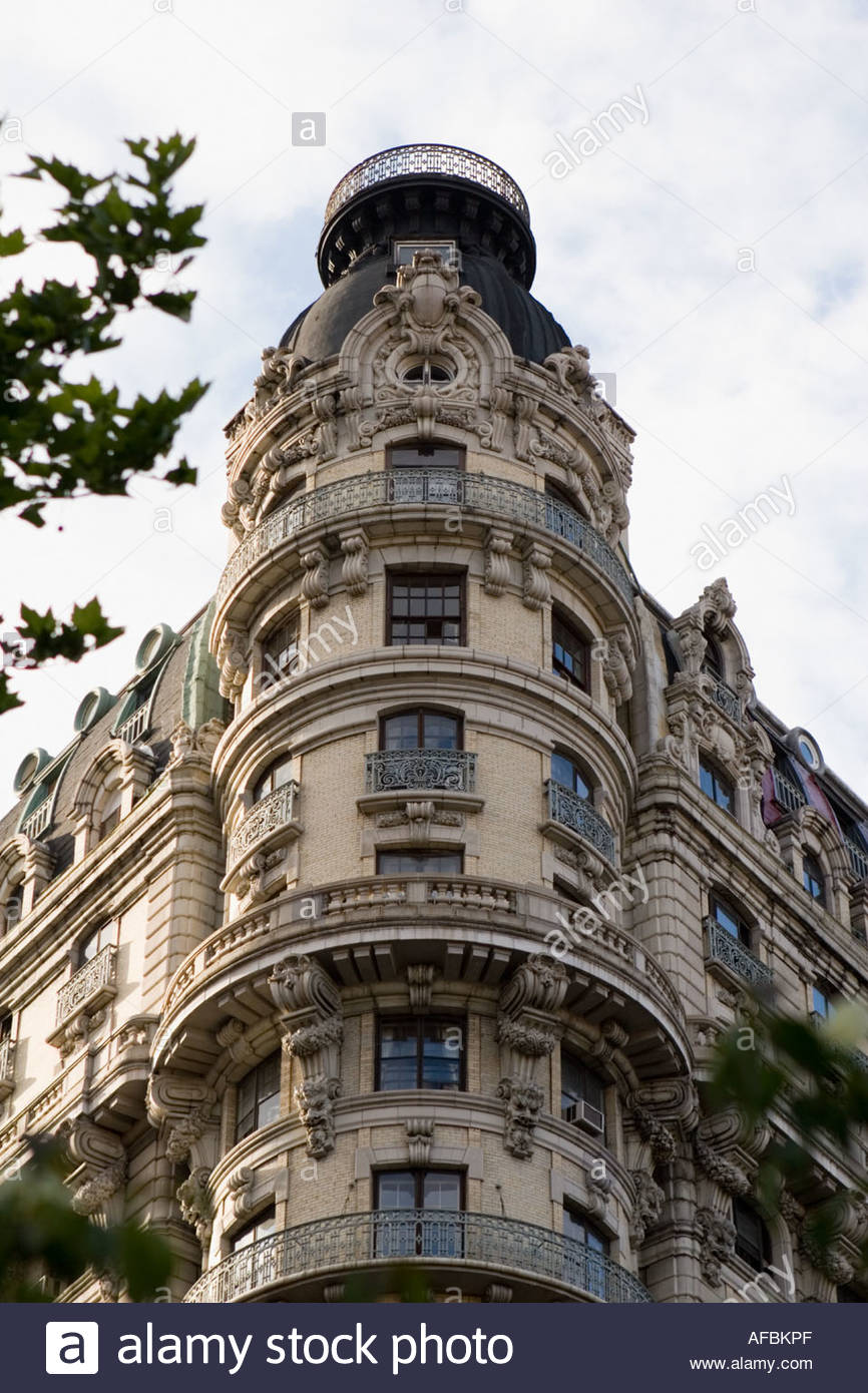 The Beaux Art Ansonia Hotel Upper West Side New York City has attracted many opera singers including Caruso - Stock Image