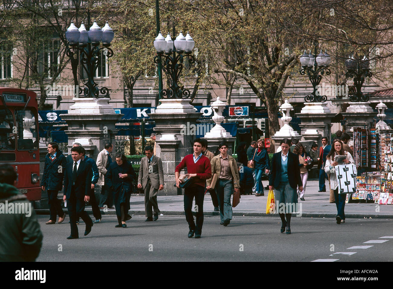 geography / travel, Spain, Madrid, people, passers-by at zebra crossing, Additional-Rights-Clearances-NA - Stock Image