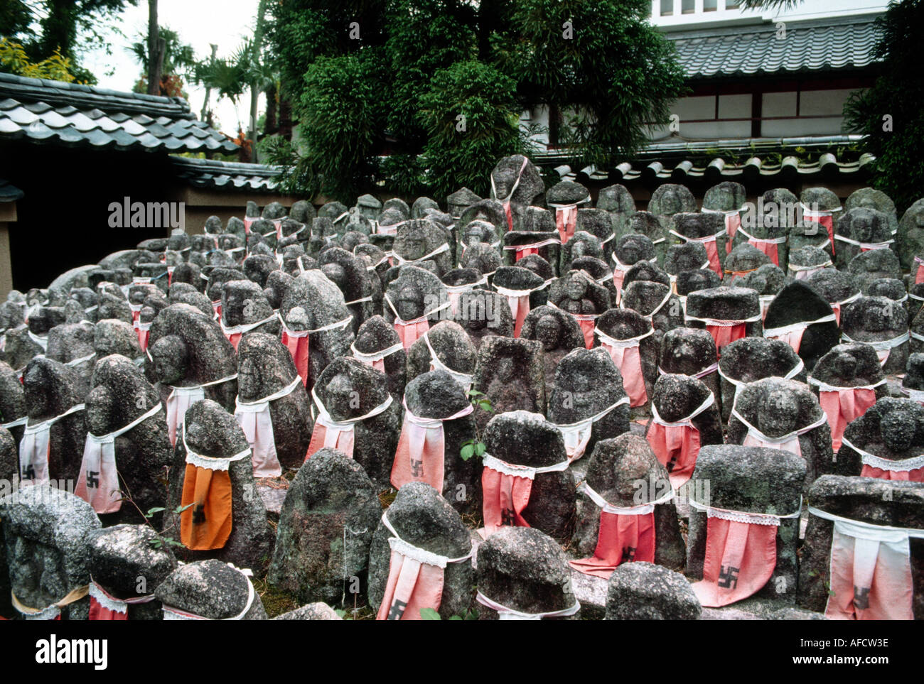 geography / travel, Japan, Kyoto, Daitoku Ji, Buddhistic temple, decorated statues of Bodhisattva Jizo San, religion, buddhism, - Stock Image