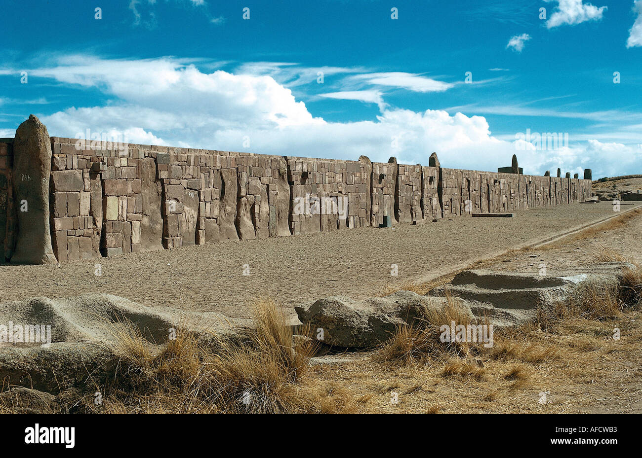 geography / travel, Bolivia, Tiahuanaco, ceremonial building at Lake Titicacasee, outer wall, huari, cult, stick divinity, , Additional-Rights-Clearances-NA - Stock Image