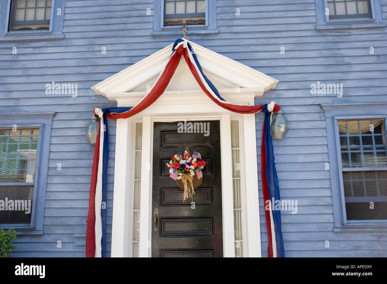 old house on thames street in newport rhode island - Stock Image