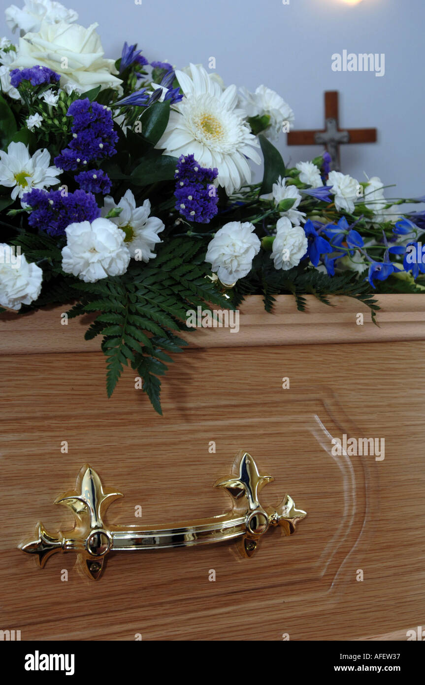 A coffin in an undertakers - Stock Image