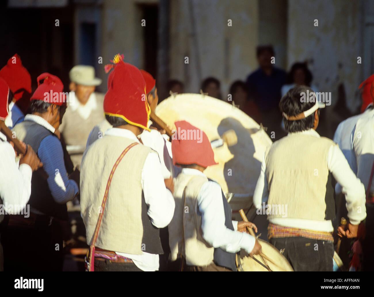 indian drum players folklore festival de la virgen de la calendaria town of puno peru - Stock Image
