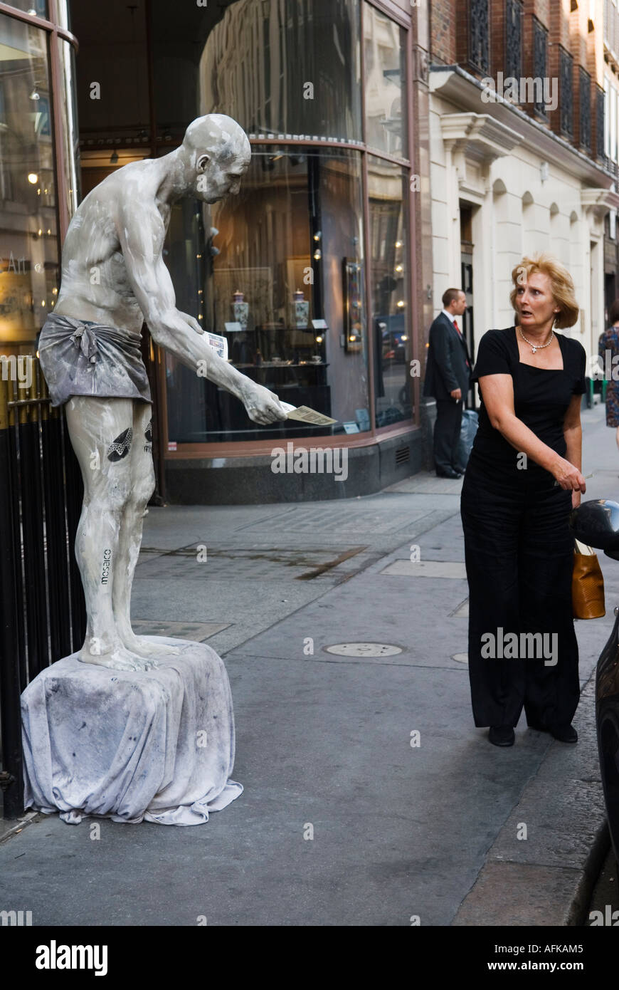 Living Statue Albermarle Street central London W1 England HOMER SYKES - Stock Image