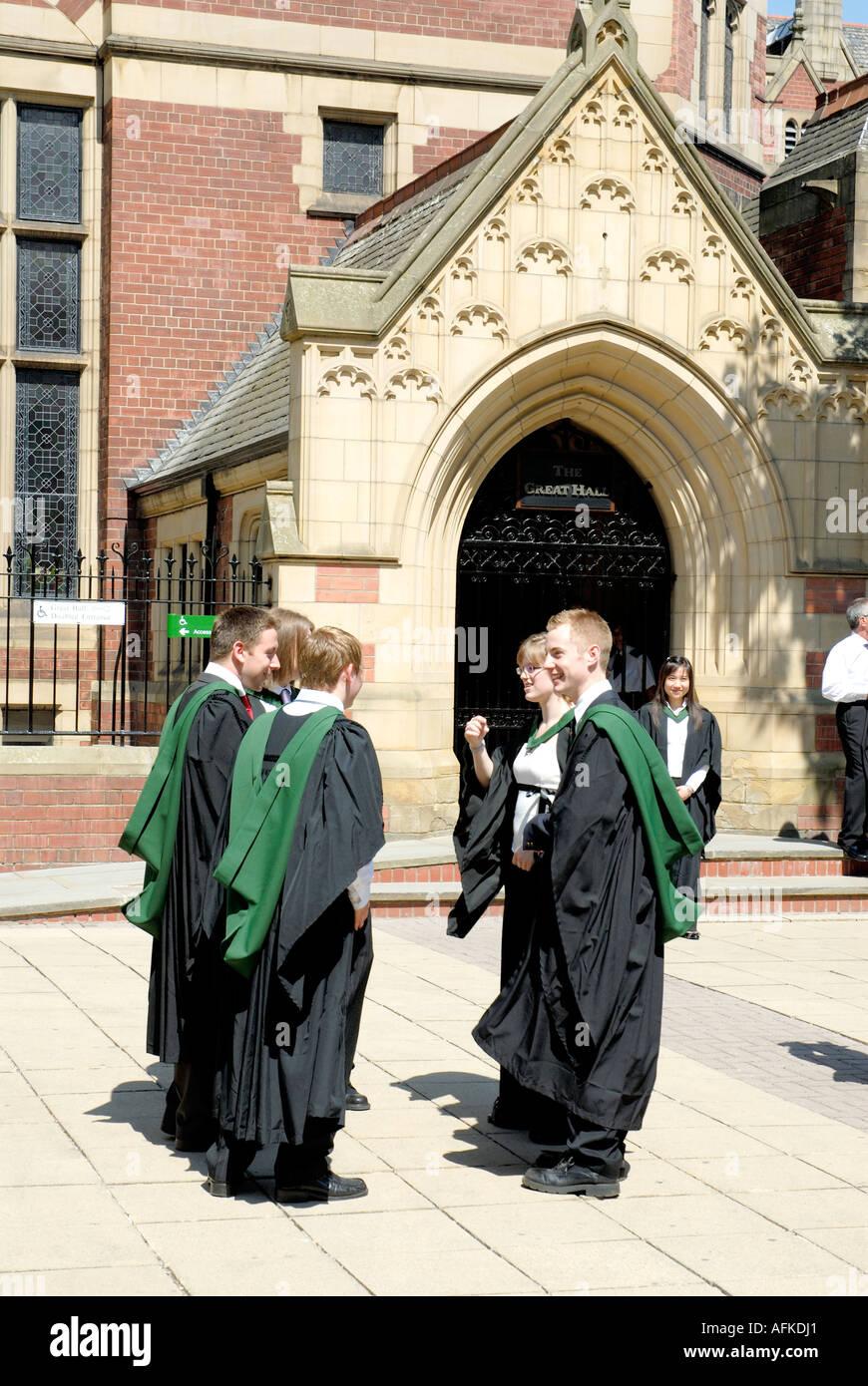 Leeds University Graduation Day Stock Photo 7982304 Alamy