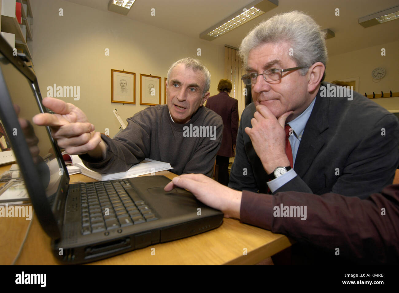 art historian Peter Lord and First Minister Rhodri Morgan, Centre for Advanced Welsh and Celtic Studies Aberystwyth wales - Stock Image