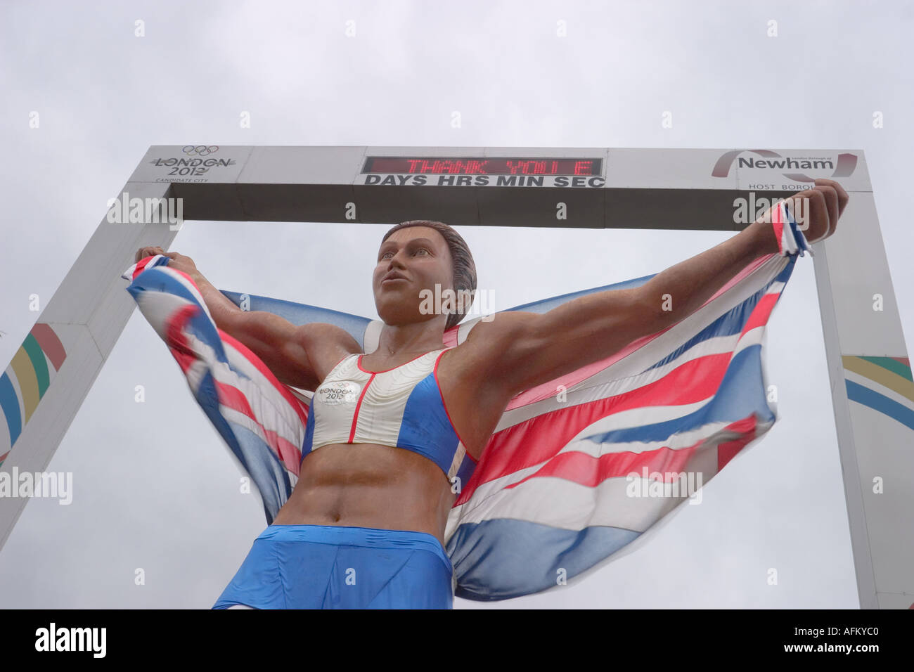 Statue of Kelly Holmes outside Stratford Station the morning after the IOC awarded London the 2012 Games 07/07/05 - Stock Image