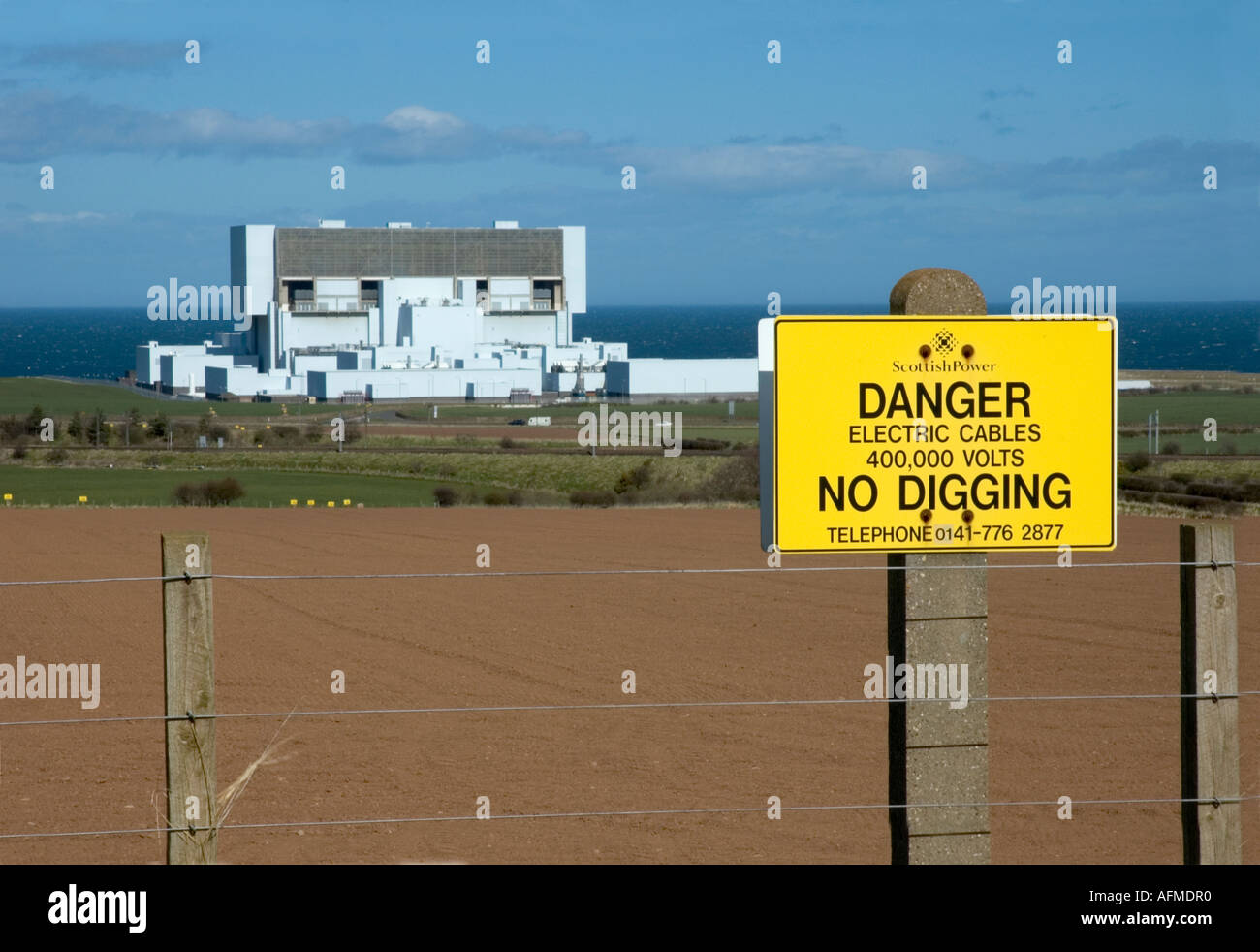Torness nuclear power station Scotland set in farming country by the sea - Stock Image