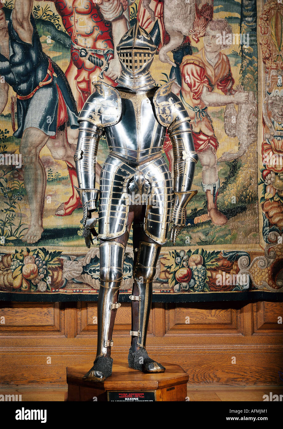 weapons / arms, amour, harness, emperor Maximilian I., by Lorenz Helmschmid, Augsburg, circa 1495, Konrad Seusendorfer, Innsbruck, circa 1510/1511, Dutch workshop, Kunsthistorisches Museum, Vienna, Collection of arms and armor, middle ages, Gothic, knight, handcraft, 15th century, accoutrements of knighthood, visor, helmet, military, historic, historical, medieval, Additional-Rights-Clearances-NA - Stock Image