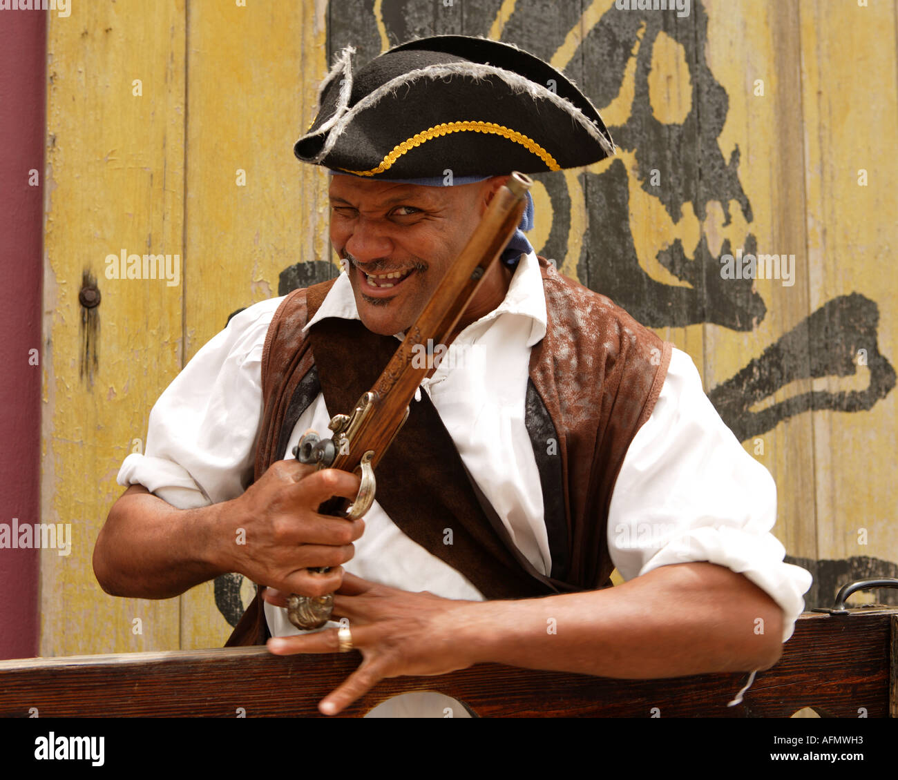 Pirate actor outside the Pirates of Nassau Museum, Nassau, New Providence, Bahamas. - Stock Image