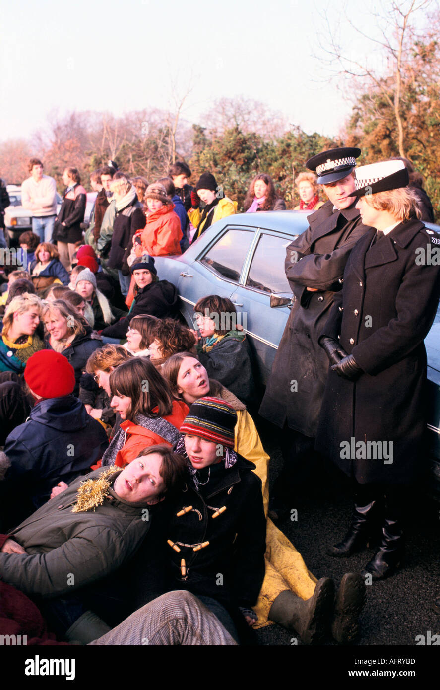 WOMENS PEACE CAMP  BLOCKADE OF AMERICAN USAF  NUCLEAR CRUISE MISSILE AIR BASE AT GREENHAM  COMMON BERKSHIRE ENGLAND. Stock Photo