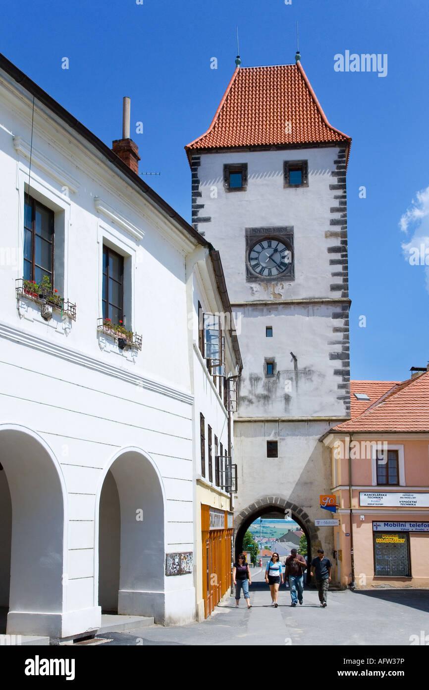 Prazska brana z 1500, stredoveke opevneni mesta, Melnik, Ceska republika - Stock Image