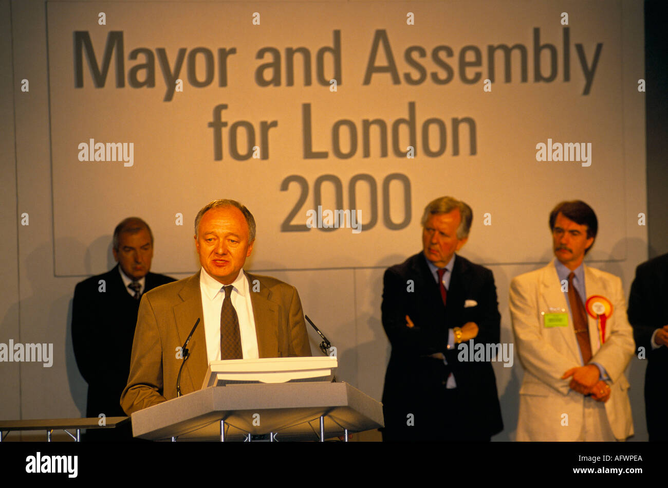 KEN LIVINGSTONE LONDON MAYOR ELECTION DAY 1 5 00 FATIGUE IS APPARENT AS THE LONG CAMPAIGN DRAWS TO A CLOSE 2000 - Stock Image