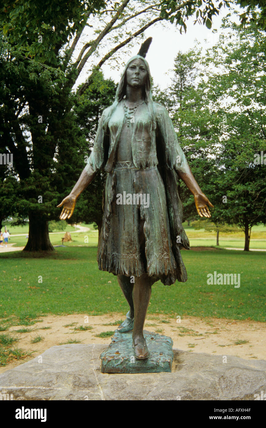 JAMESTOWN VIRGINIA USA August Statue of Pocahontas by  William Ordway Partridge was placed in Jamestown in 1922 to commemorate the life of Pocahontas - Stock Image