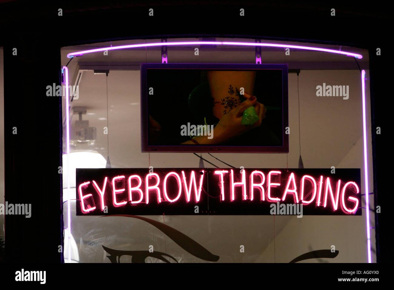 Eyebrow Threading Stock Photos Eyebrow Threading Stock Images Alamy