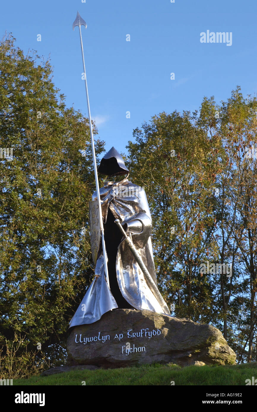 Stainless Steel Statue of Llywelyn ap Grufydd Fychan by Toby and Gideon Petersen which stands outside Llandovery castle - Stock Image
