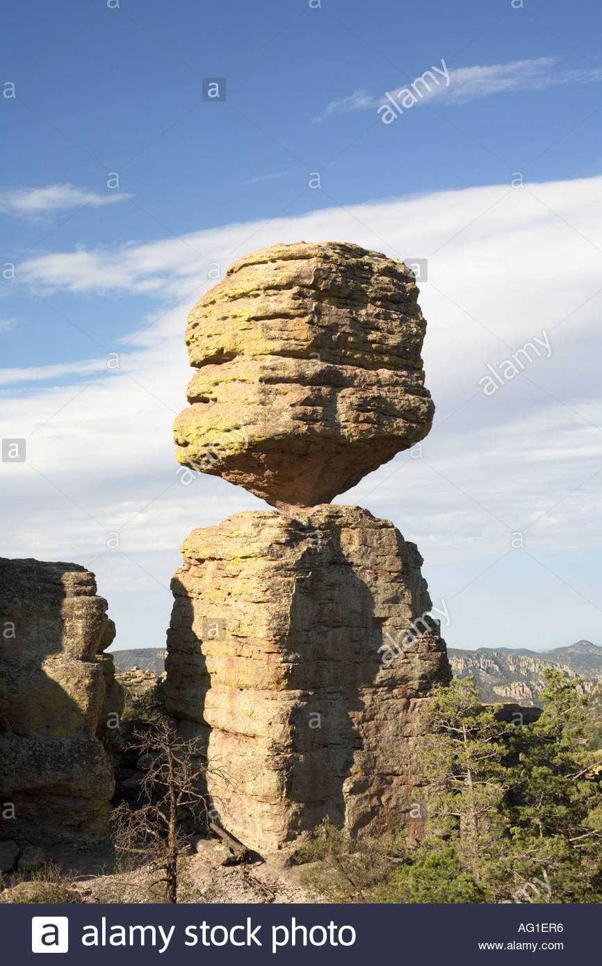 big-balanced-rock-in-the-chiricahua-national-monument-arizona-22-feet-AG1ER6.jpg