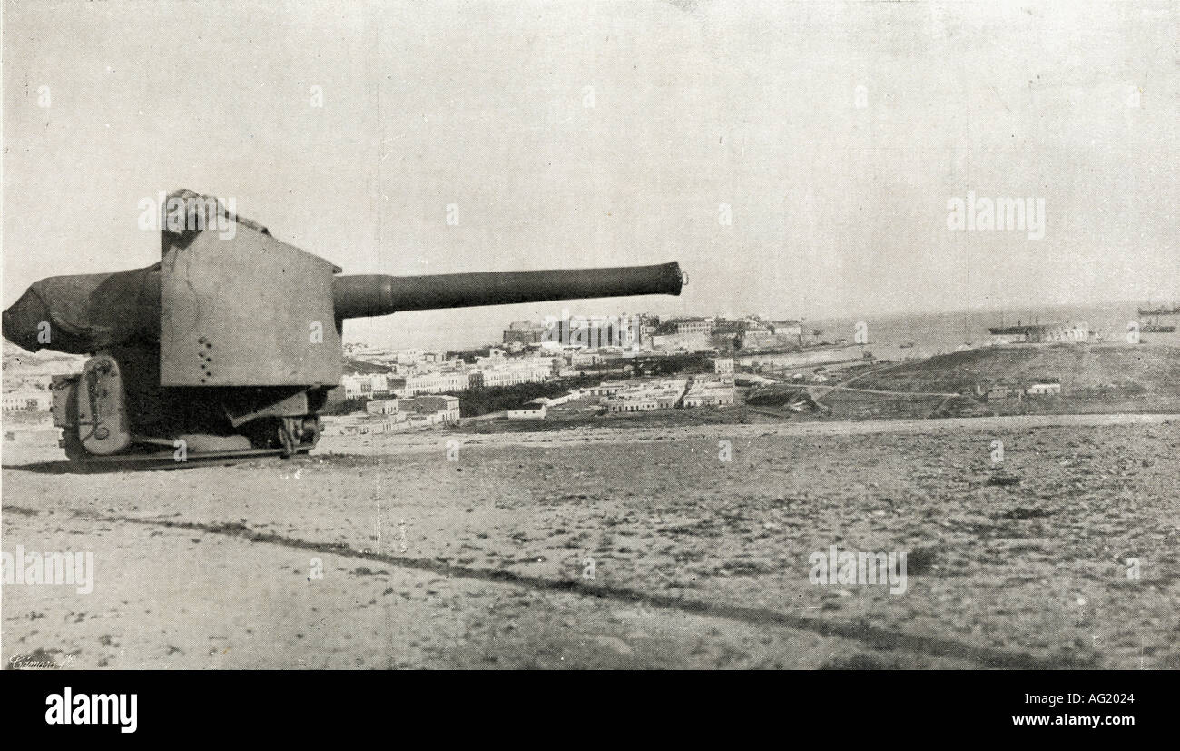 General view of Melilla. Spanish possession in North Africa fseen rom the Fort of Camels, c.1914. - Stock Image