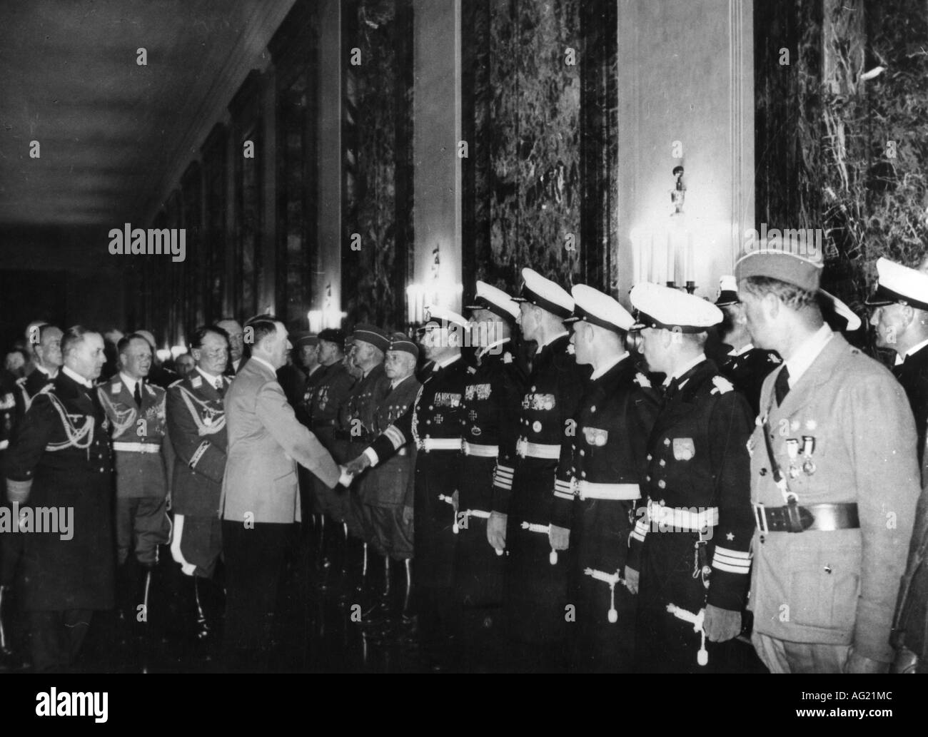 geography / travel, Spain, Spanish Civil War 1936 - 1939, Legion Condor, reception of officers in the New Reich Chancellery, Reich Chancellor Adolf Hitler, General Hermann Goering, Admiral Erich Raeder, Berlin, 5.6.1939, German armed forces, air force, Luftwaffe, navy, Kriegsmarine, army, Germany, uniform, uniforms, soldiers, ceremony, handshake, shaking hands, Third Reich, National Socialism, Nazism, Wehrmacht, Goring, 20th century, historic, historical, 1930s, Erhard Milch, Göring, male, man, men, people, Additional-Rights-Clearances-NA - Stock Image