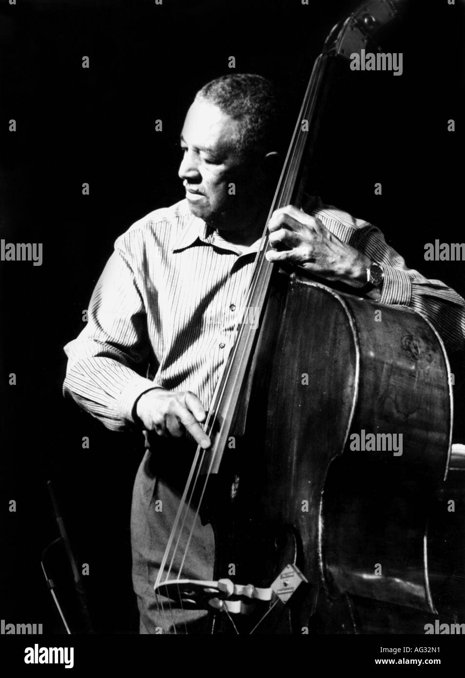 Brown, Raymond Matthews 'Ray', * 13.10.1926, American musician (Jazz), playing contrabass, half length, live performance, Manheim, March 1999, Additional-Rights-Clearances-NA - Stock Image