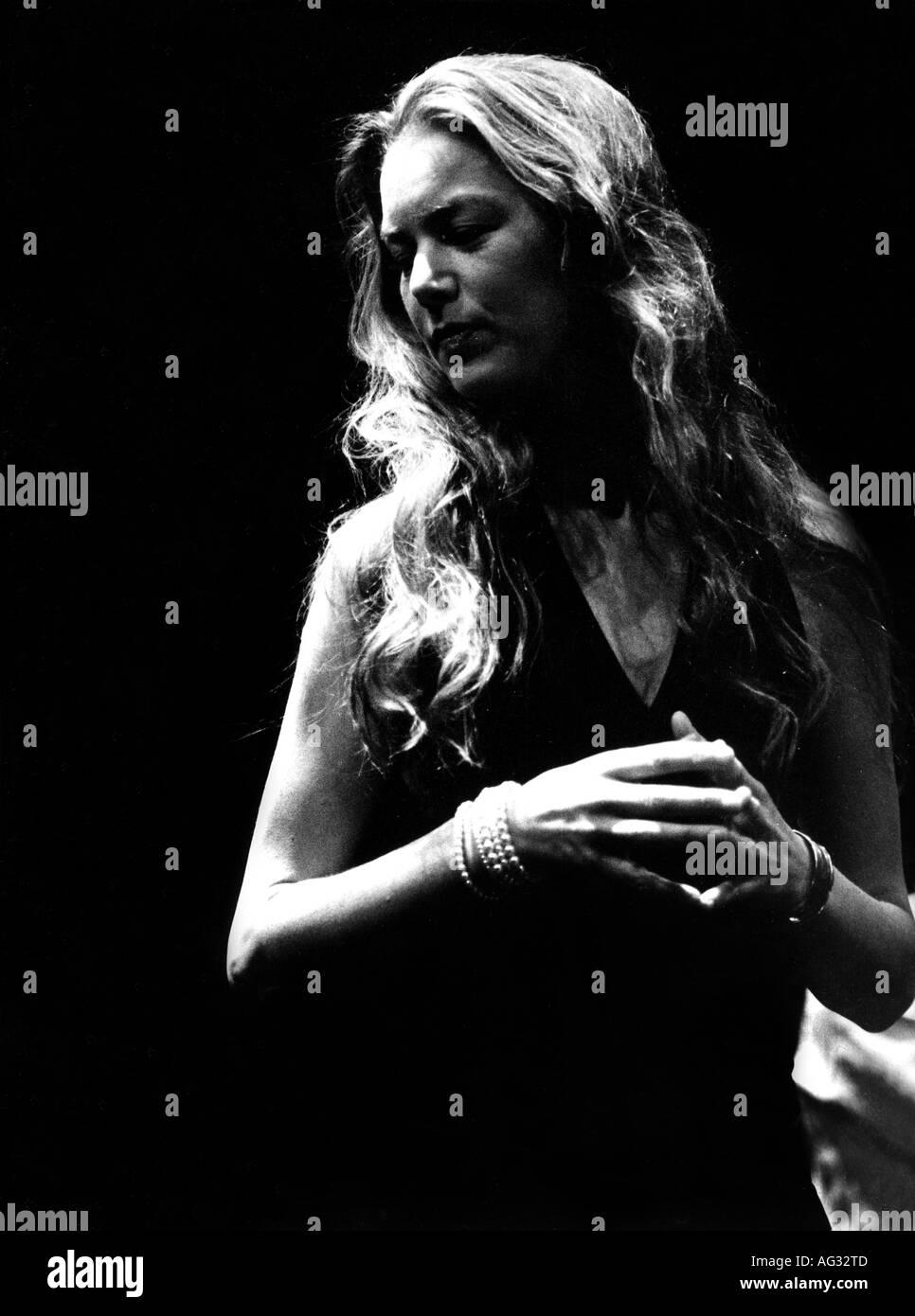 Bakken, Rebekka, * 1970, Norwegian singer (Jazz), half length, live performance, Stuttgart, April 2003, Additional-Rights-Clearances-NA - Stock Image