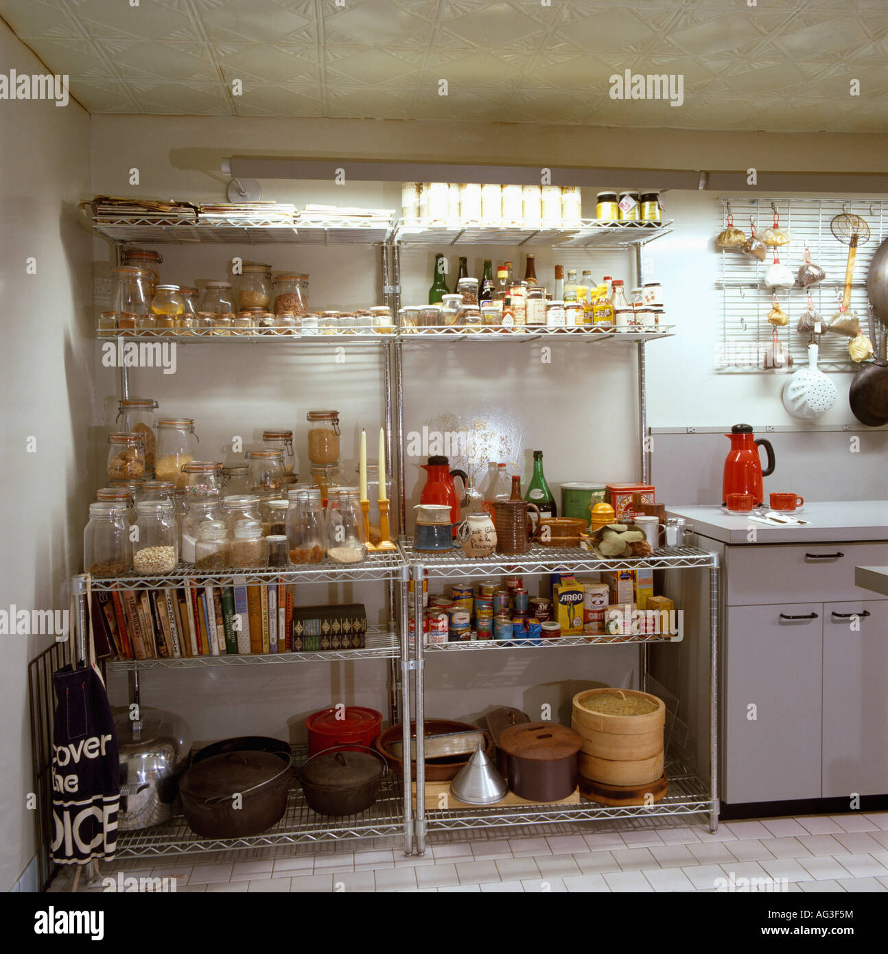 Industrial Kitchen Shelving High Resolution Stock Photography and ...