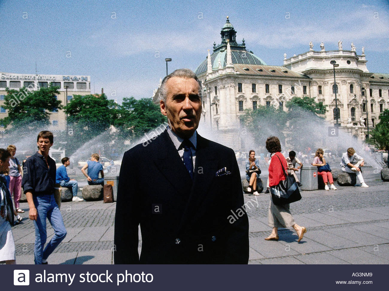 Lee, Christopher, * 27.5.1922, British actor, half length, Munich, July 1987, Additional-Rights-Clearance-Info-Not-Available - Stock Image