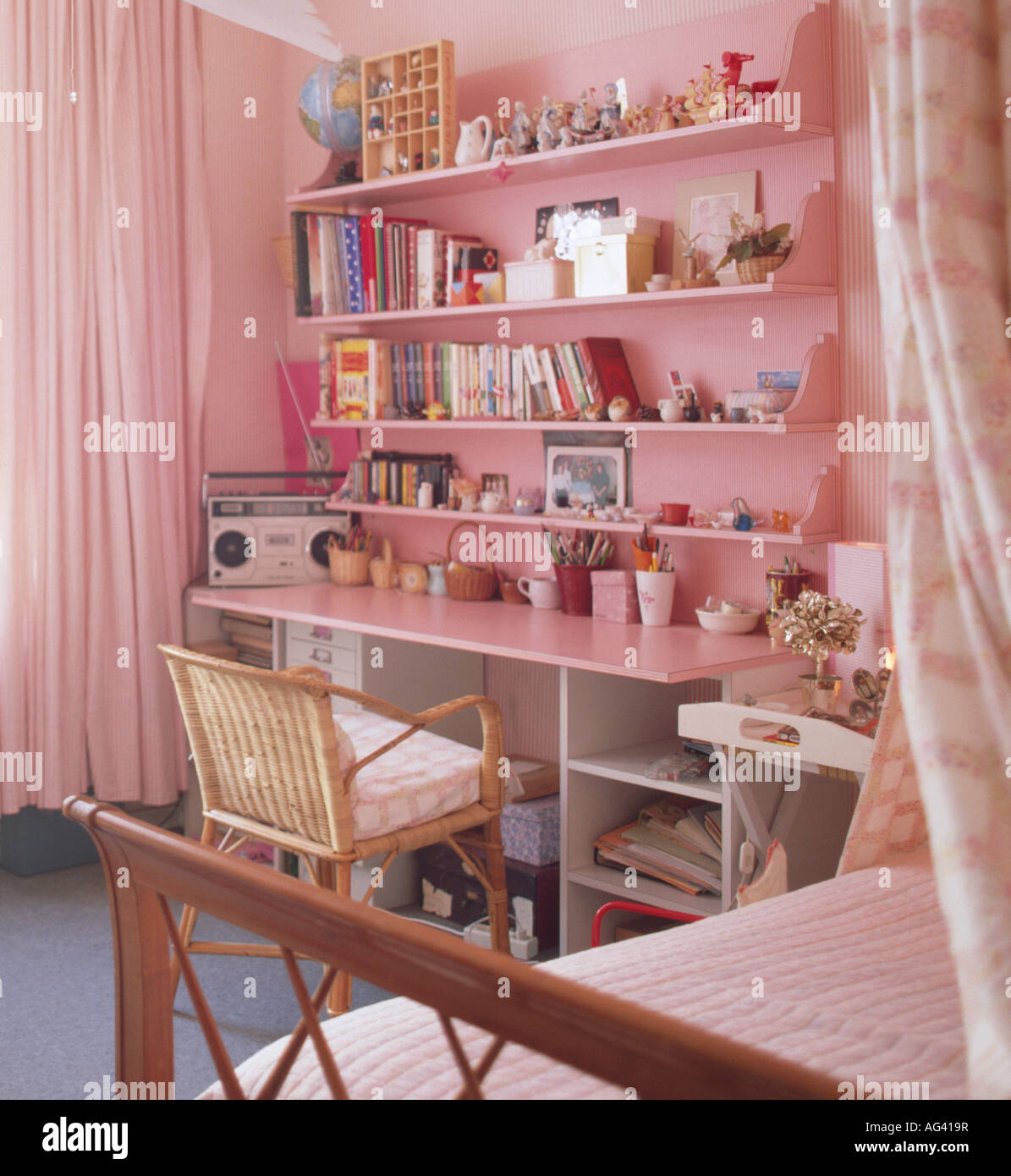 Admirable Pink Shelves Above Built In Desk In Teenage Girls Pink Download Free Architecture Designs Intelgarnamadebymaigaardcom