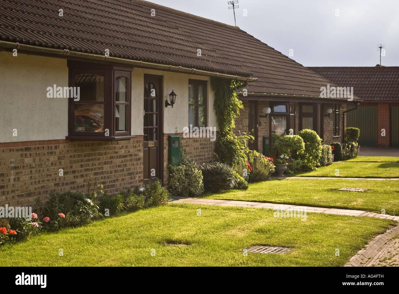 Retirement Bungalows In Purpose Built Retirement Village   Stock Image