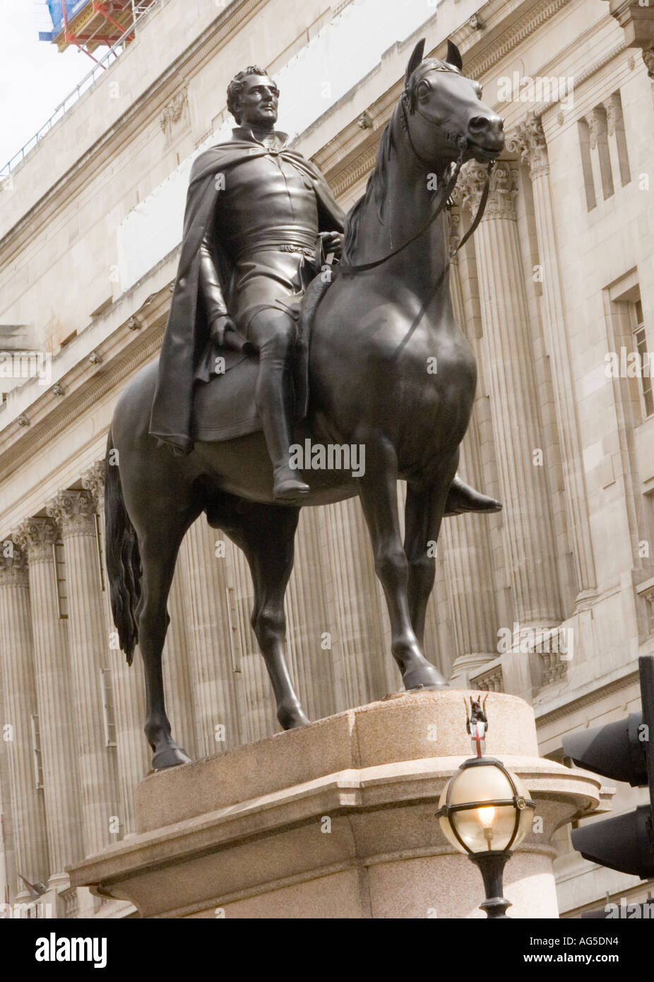 Statue of the Duke of Wellington, started by Frances Chantrey & completed by Henry Weeks, outside The Royal Exchange in the City - Stock Image