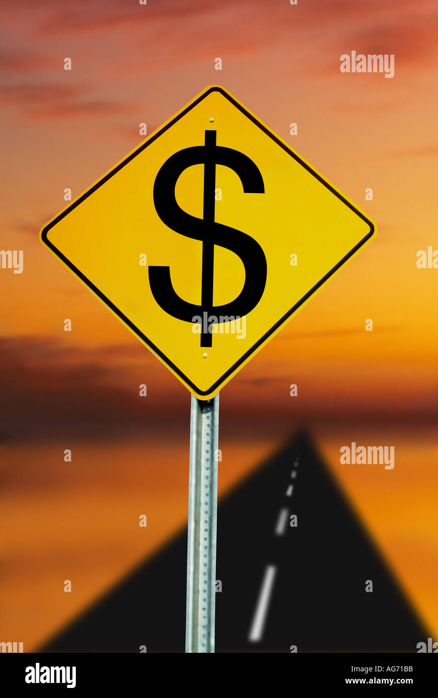 road and road sign post with US Dollar symbol - Stock Image