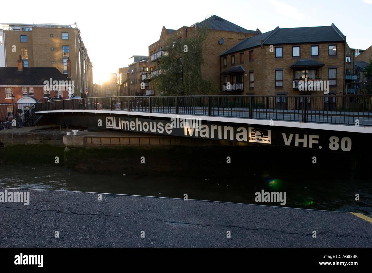 Swing Bridge Limehouse marina london - Stock Image