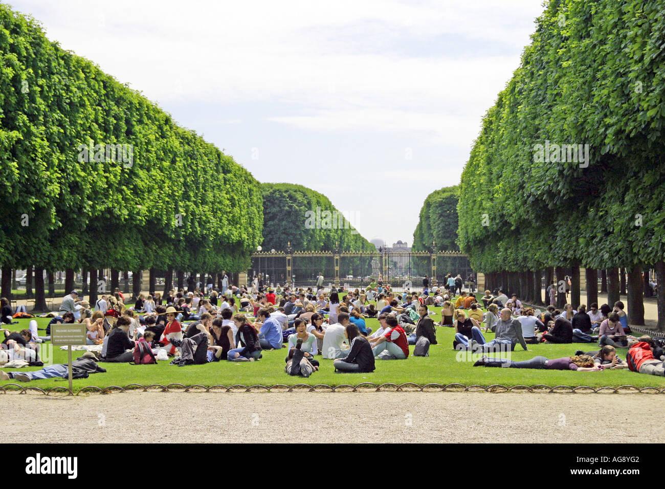 Picnic In The Park Jardin Du Luxembourg Paris France Stock Photo